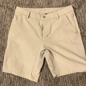Lululemon commission shorts light
